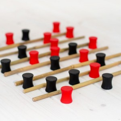 Linja - juego de desafío táctico para dos