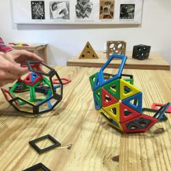 Magnetic Polydron 48 piezas imantadas - juguete de formas geométricas especiales
