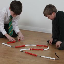 Cadena de 100 bolas para contar para el profesor