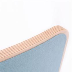Wobbel Board Original - tabla curva de madera lacada transparente con fieltro azul cielo