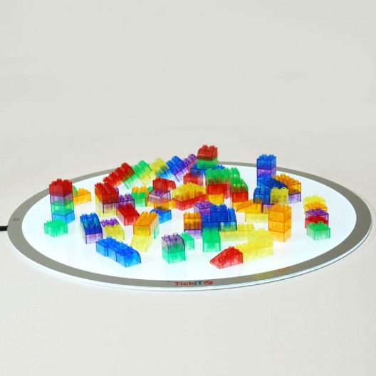 90 bloques translúcidos de construcción modular