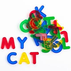 Letras transparentes de colores - mayúsculas