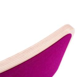 Wobbel Board Original - tabla curva de madera decapado blanco con fieltro frambuesa