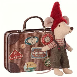 Ratoncito Duende de la Navidad en maleta viajera