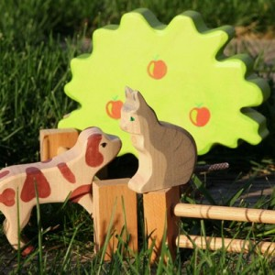 Gato sentado - animal de madera