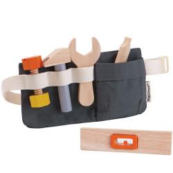 Cinturón con herramientas de madera