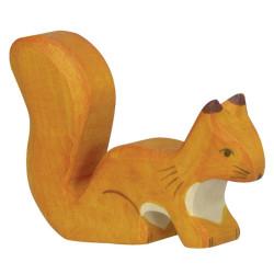 Ardilla naranja parada - animal de bosque de madera
