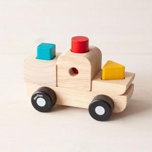 Camión encajable de madera