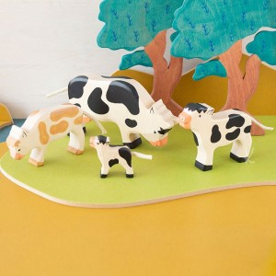 Ternero blanco y negro - Animal de granja de madera