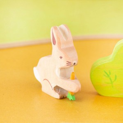Liebre con zanahoria - animal de madera