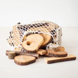 Eco Blocks 72 bloques de madera natural con corteza en bolsa de red