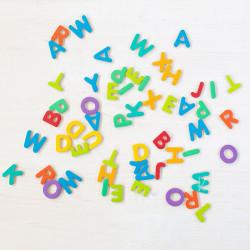 Letras magnéticas para escribir mayúsculas