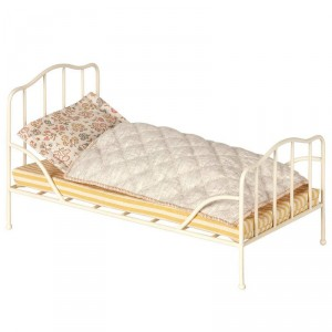 Cama Vintage  de metal color crema - para conejitos Bunny y Rabit Mini