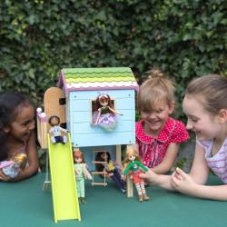 Casa del Árbol de Lottie - casa de muñecas de madera