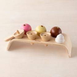 Juego de los cucuruchos - juguete de madera