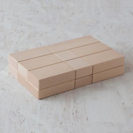 18 ladrillos y bloques rectangulares de madera de construcción