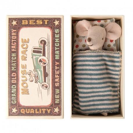 Ratoncito Hermano Mayor en caja de cerillas cama