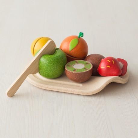 Surtido de frutas para cortar con bandeja