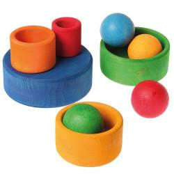 Cubos apilables de colores arco iris de madera - azul a rojo